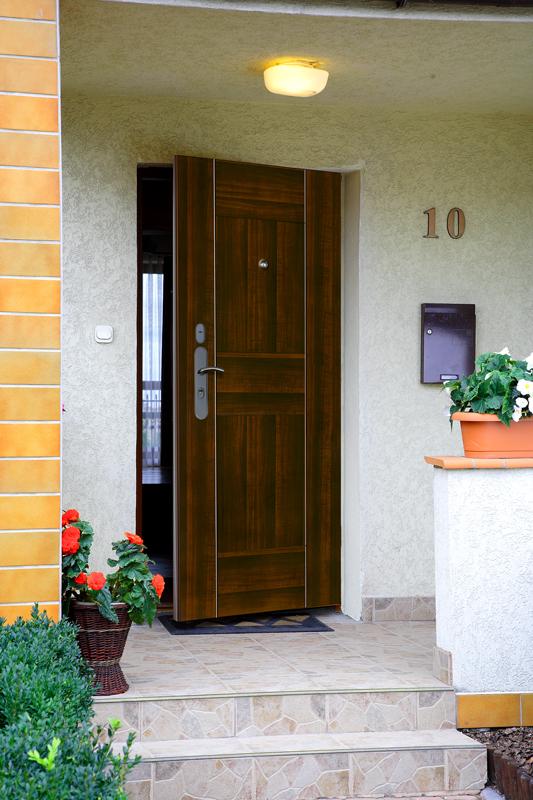 двери входные металлические для многоквартирных домов в городе клин